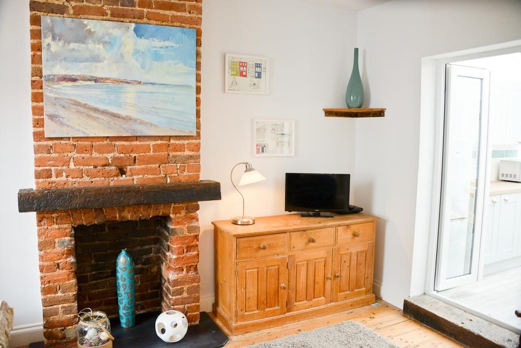 Portland Cottage - Luxury 3 Bed Rental   Worthing Accommodation